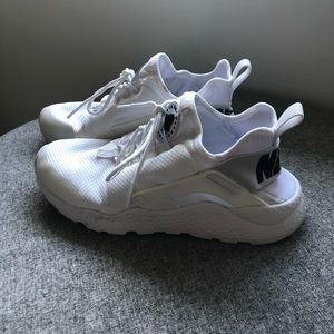 Nike Air Huarache woman's 8.5